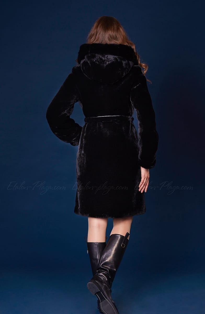 Women's Fur coat mouton mink