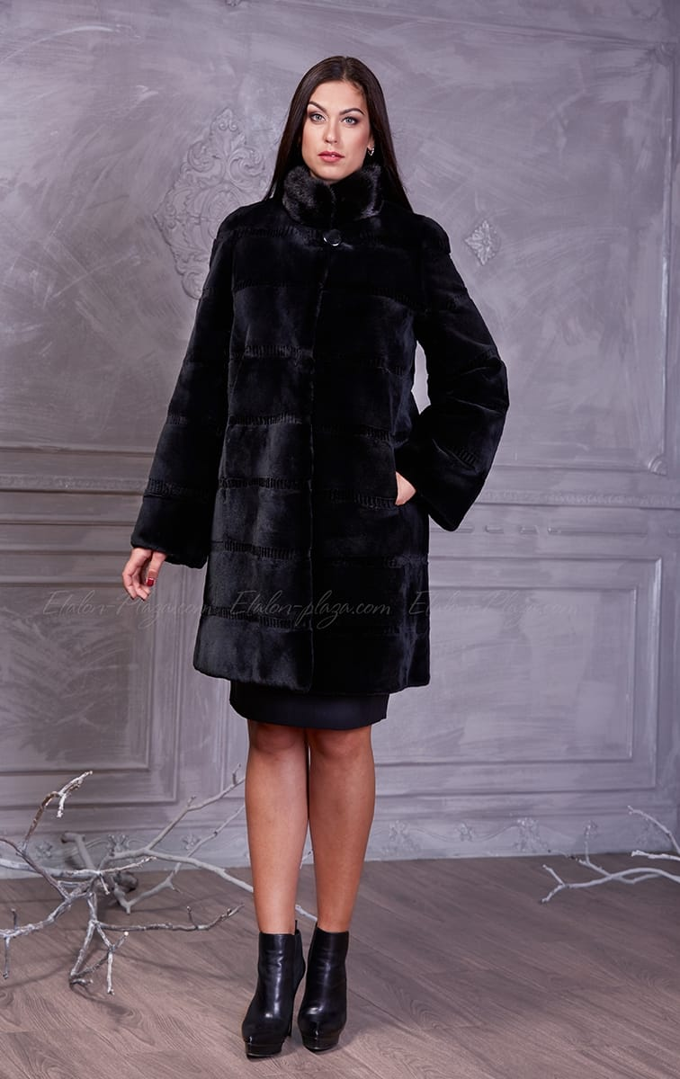 Women's black Coat of Beaver