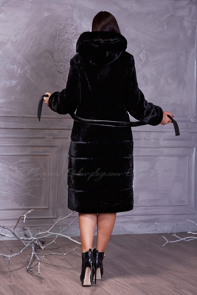 Women's coat of Mouton