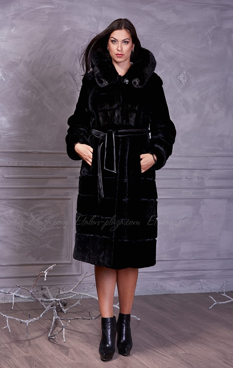Women's coat of Mouton