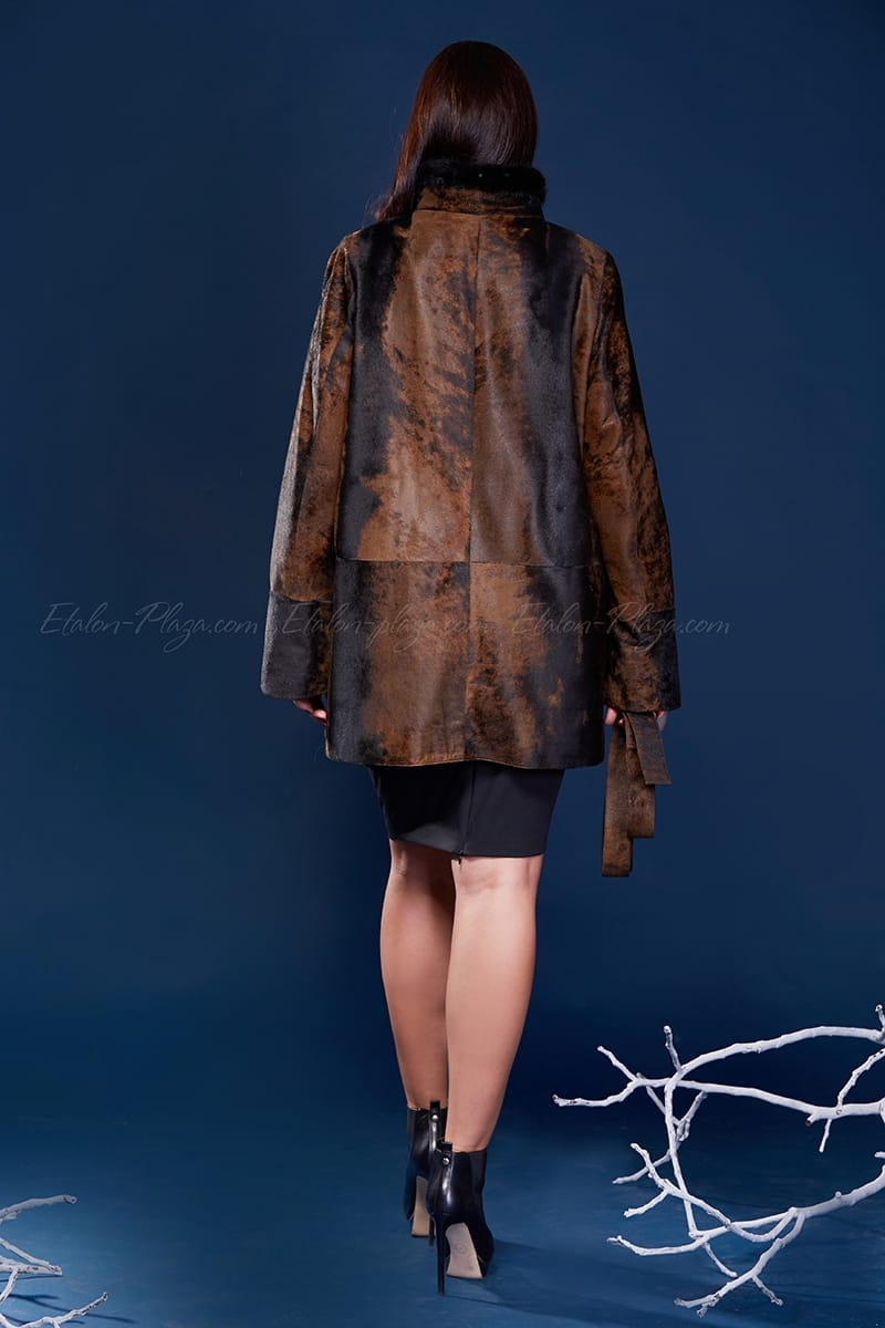Women's Fur coat of cavalino