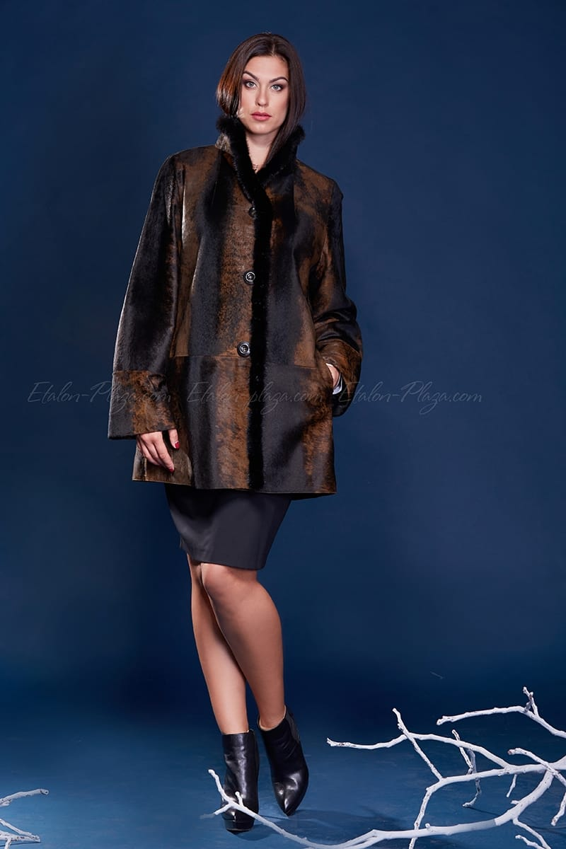 Women's Fur coat of cavalino