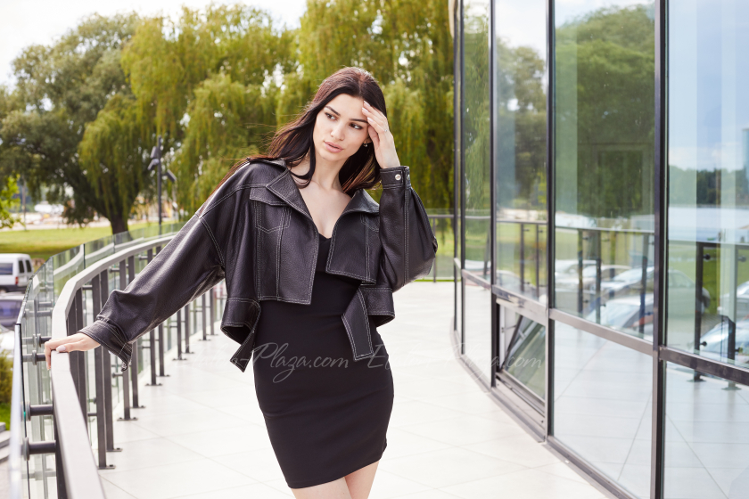Куртка жіноча шкіряна чорна К1334