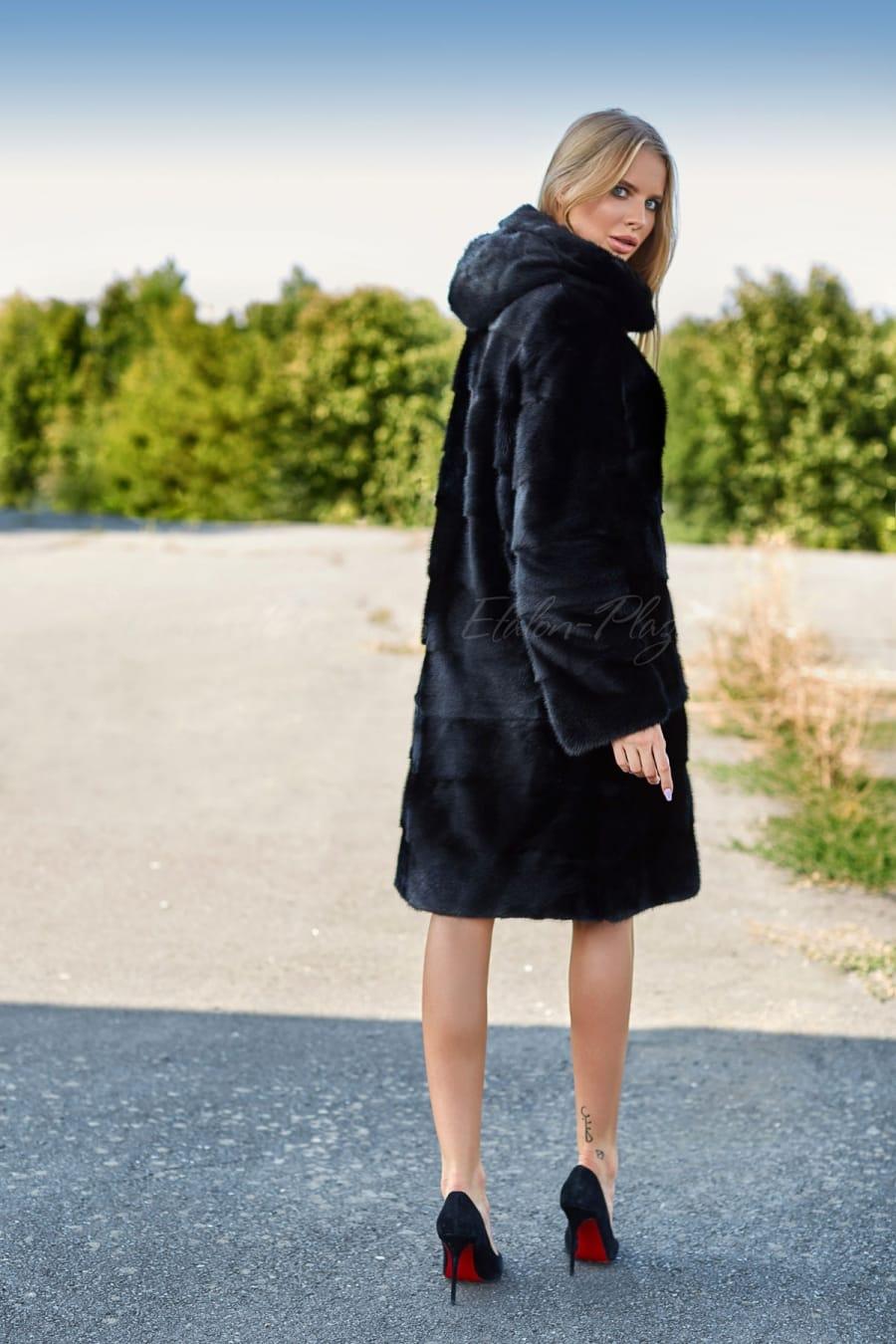 Норковая женская шуба черная Ш1218