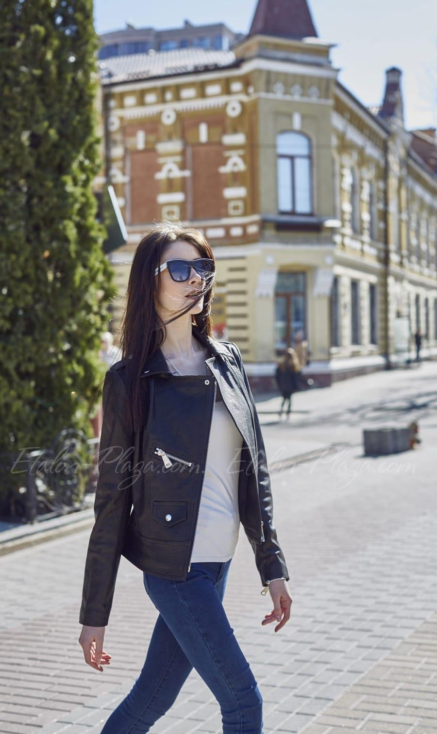 Жіноча шкіряна куртка К1200