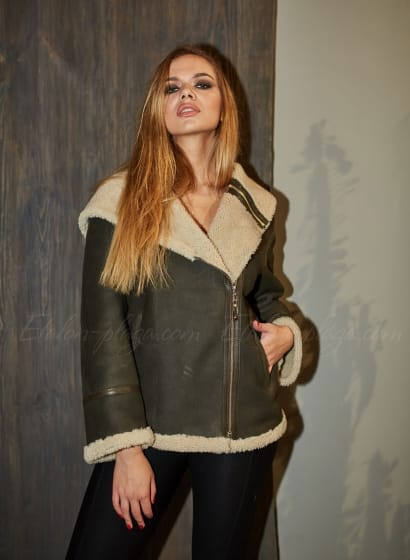 Women's sheepskin coat