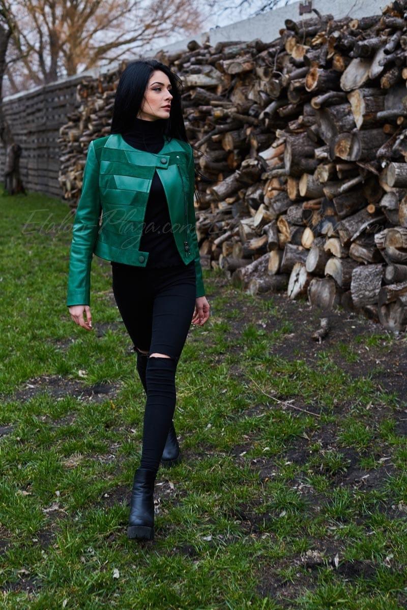 Куртка жіноча зелена К1153