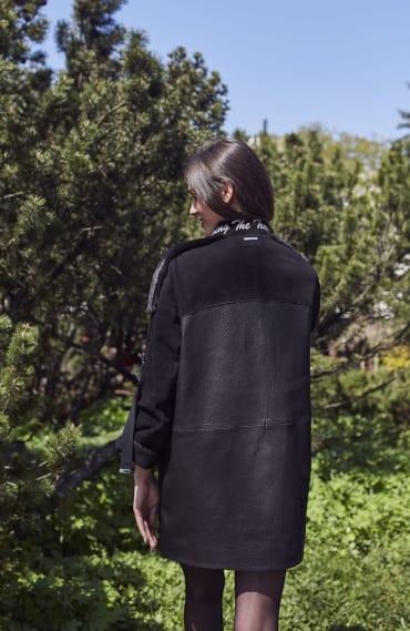 Жіночий чорний плащ  П1246