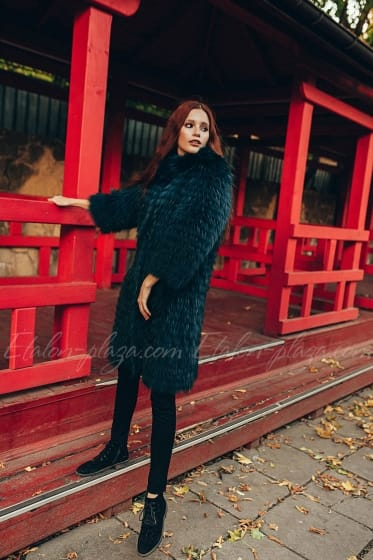Women's fur coat (knitting)
