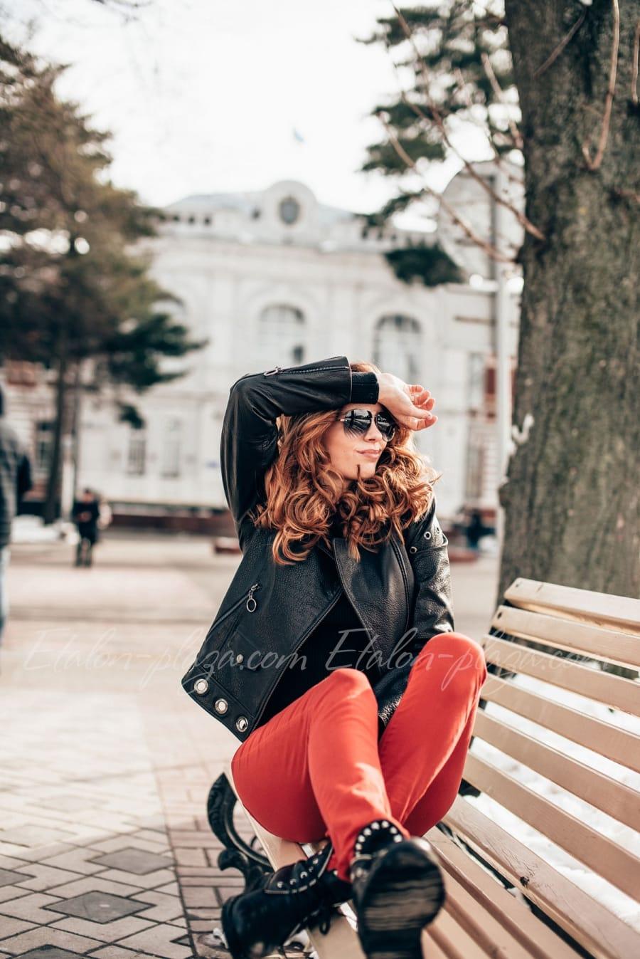 Жіноча шкіряна куртка К1195